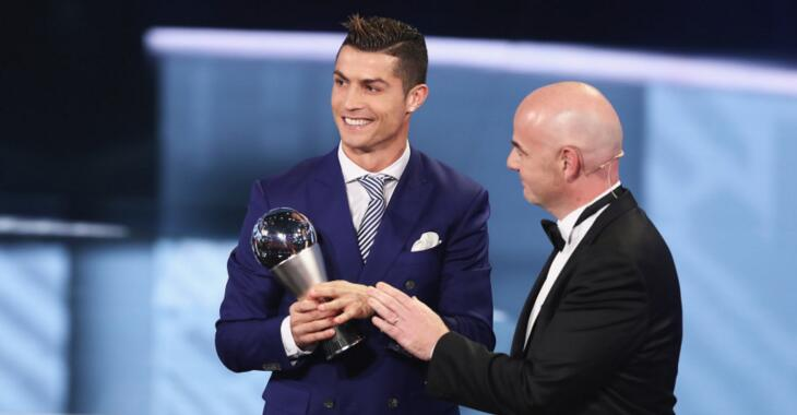 FIFA世界足球先生历届获奖名单:C罗4次捧杯仅次梅西