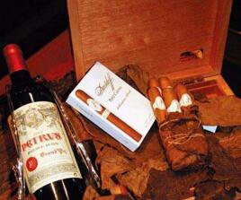 世界上最贵的烟和酒,加起来价值2468万(铂金包装)