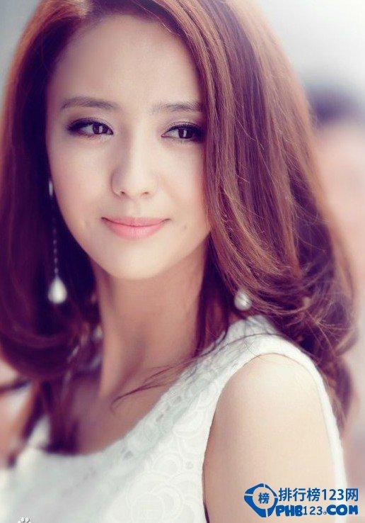 中国美女明星_相较韩国那千年不变的明星脸,中国女星们还是美貌出众,也不尽相同的.