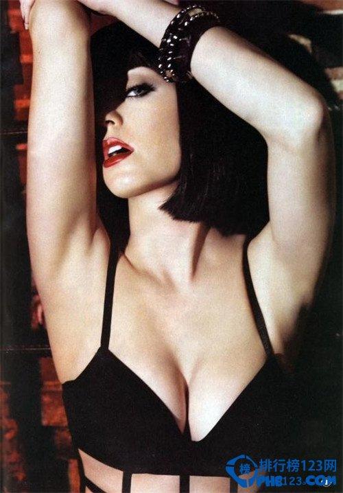 【全球胸部最美女明星排名】盘点全球最美胸部
