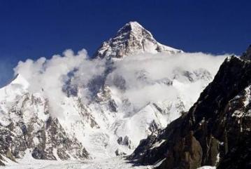 中国最大的冰川:音苏盖提冰川