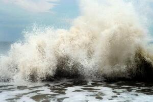 中国史上最强台风排名,台风海燕仅排第二(16232人死/损失710万)