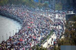 2017最新中国城市城区人口排行榜:上海2115万人居首,北京1877.7万人