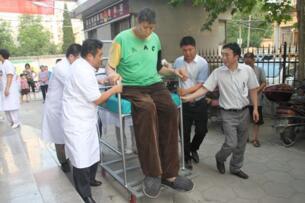 中国十大巨人排行榜:最矮的都有2.34米,第一巨人王峰军比姚明高30厘