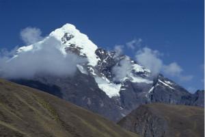 """世界上最长的山脉,安第斯山脉被称为""""南美洲脊梁""""(全长8600千米)"""