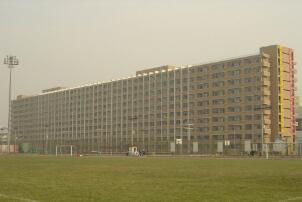 亚洲最大宿舍楼:虹远楼(全是女生,可3个月不出门)