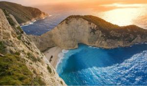 全球十大最美海滩排行榜:诺曼底的奥马哈海滩上榜,第一来自希腊