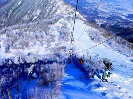 中国十大滑雪胜地排行榜:成都西陵雪山滑雪场上榜,北京有两处