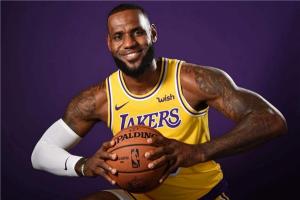 最受欢迎的十大篮球明星 这些篮球明星都是相当有名的