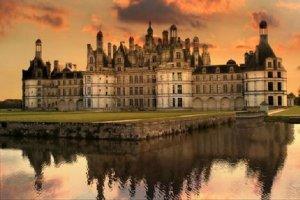 法国最浪漫的五个景点:爱墙上榜,第二是女孩子的梦想