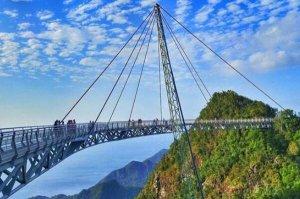 世界上最惊悚的十座桥梁排行榜 中国四渡河大桥上榜,第一在马来西亚
