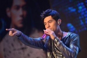 台湾十大70后男歌手排行榜:周杰伦名副其实夺首,第五15岁就失明